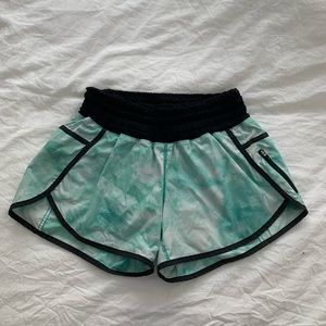 COPY - Lululemon tracker shorts